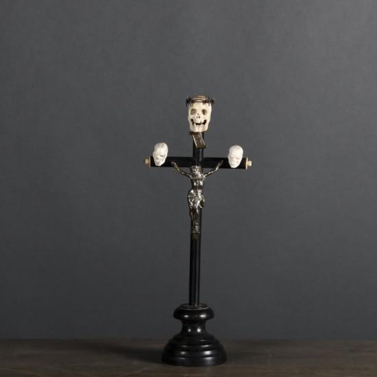 Crucifix Memento Mori