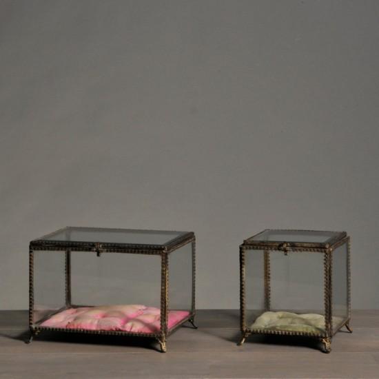 Rectangular glass jewelry box