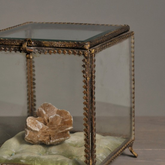 Square glass jewelry box